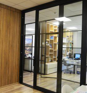 раздвижная дверь алюминиевая