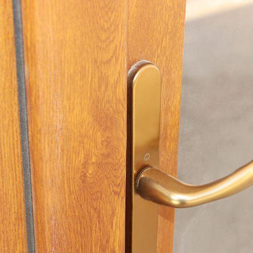 Дверная ручка бронзовая