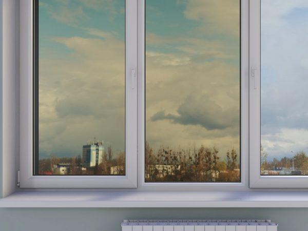 tonirovannoe okno podokonnik dvustvorchatoe okno