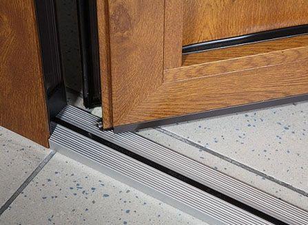 особенности комплектующих дверей