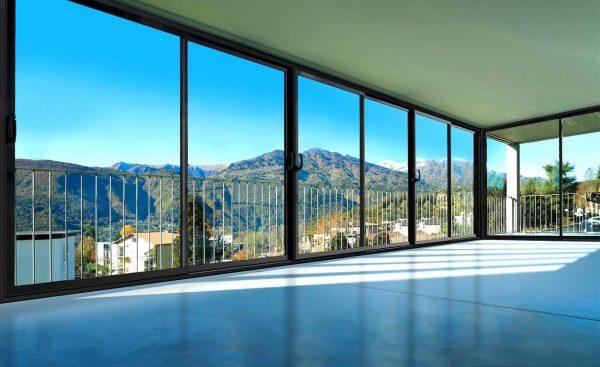 panoramnoe osteklenie balkona 12