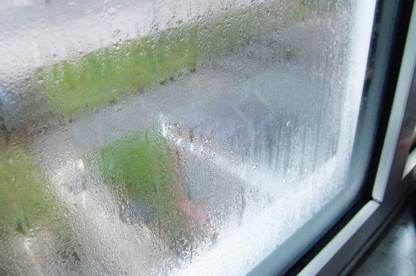 pochemu potejut plastikovye okna iznutri v 1
