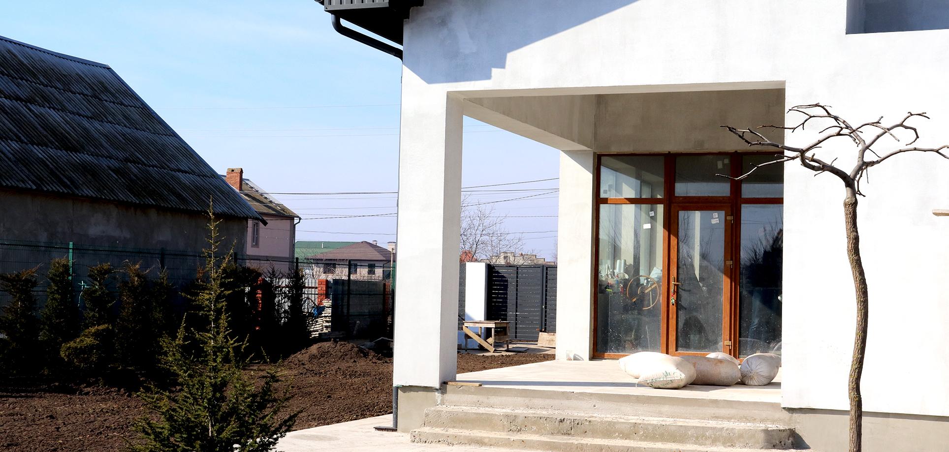 Входные металлопластиковые двери с стеклом Одесса