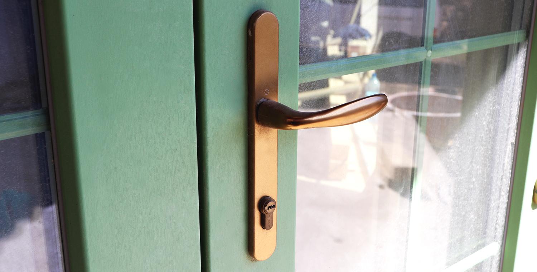 Купить входные металлопластиковые двери