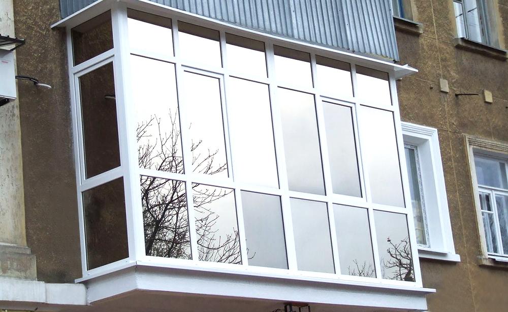 osteklenie balkona svoimi rukami 6