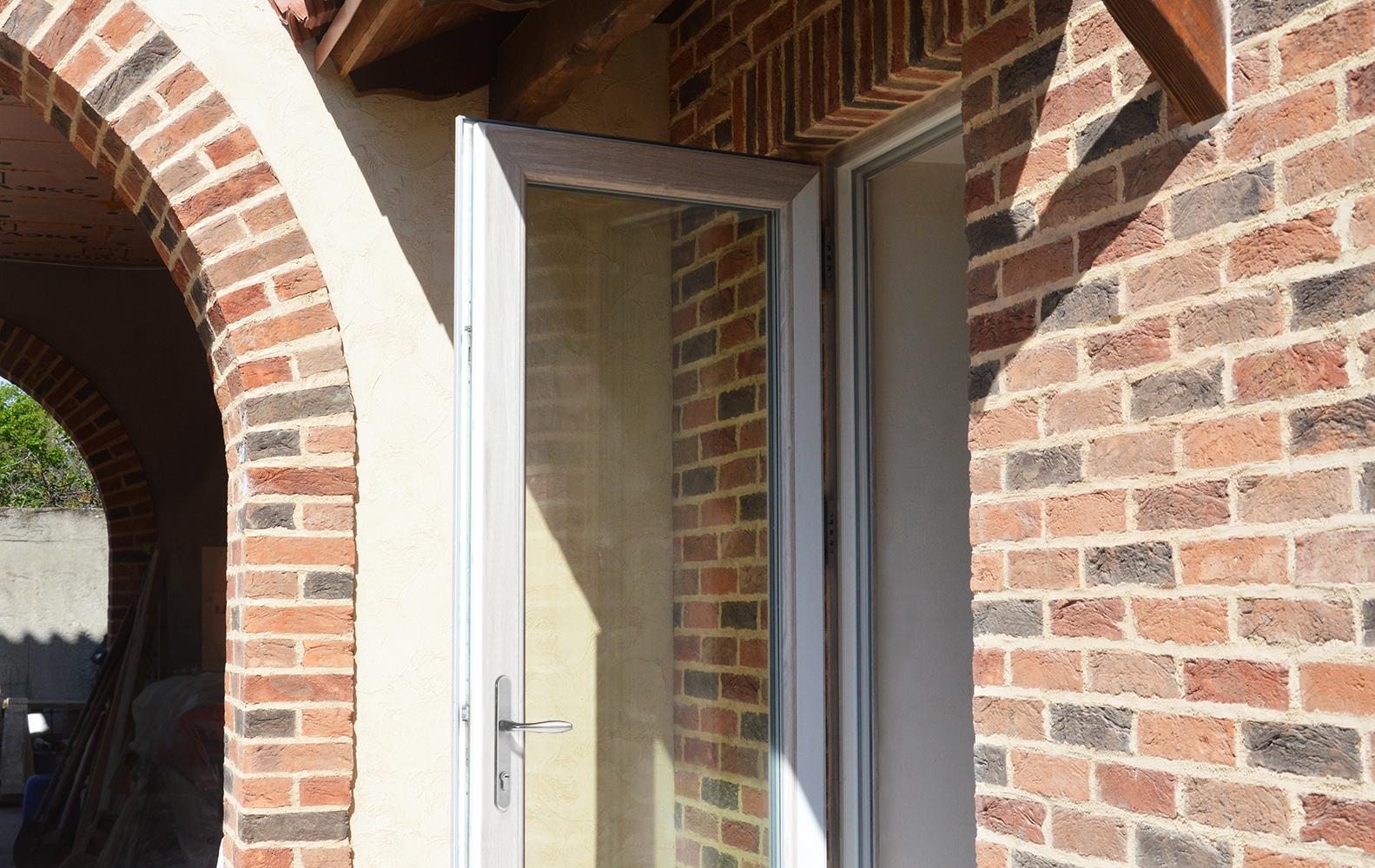 металлопластиковая дверь rehau woodec